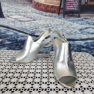 NWOB Nine West Silver Lucite Wedges Size 7.5